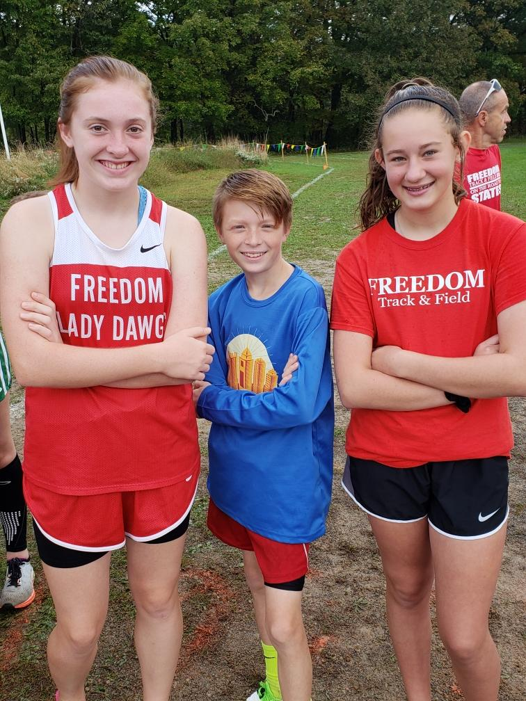 Freedom Middle School Cross Country team  at Grove City's Run Through the Pines Invitational