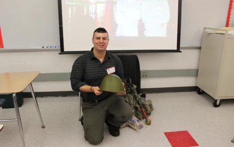 Park ranger, sergeant speaks to U.S. History classes