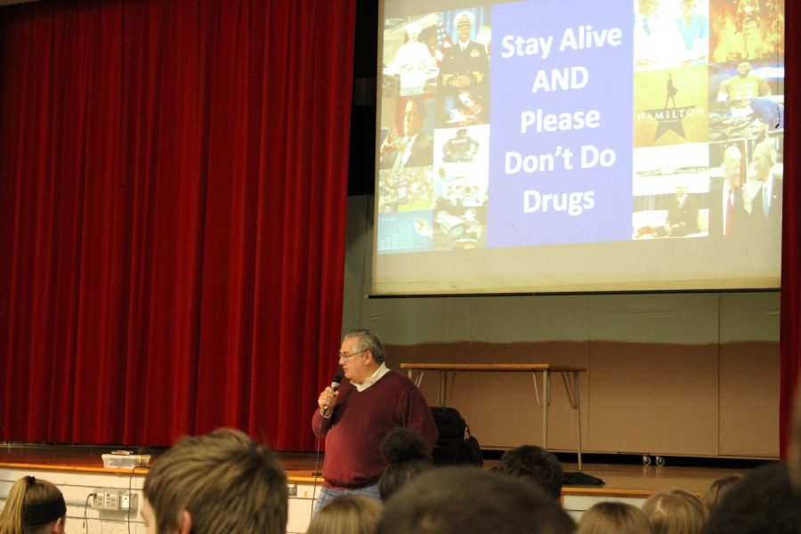 Mr.+Rich+LeVitt+talks+to+the+FMS+students+about+the+effects+that+doing+drugs+can+have+on+a+person%27s+family.