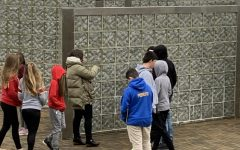 Students visit Holocaust museum and memorial in Squirrel Hill