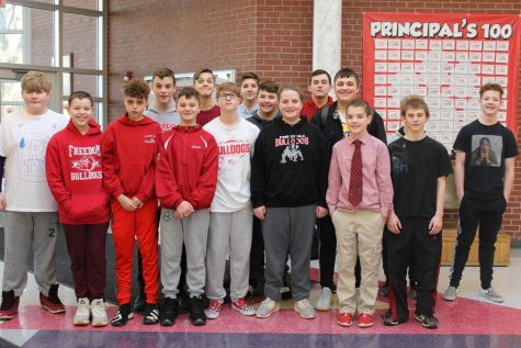 Middle school students assist with elementary gym classes