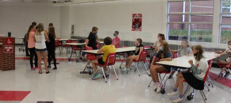 Student Government students sign in for their first meeting at the cafeteria during first period on Sept. 15.
